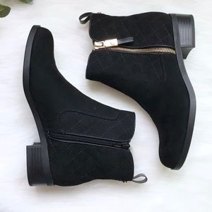 Tommy Hilfiger black quilted Patron ankle booties